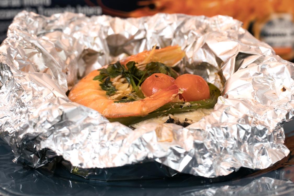 Posta de pescada no papelote: fica tão saborosa!