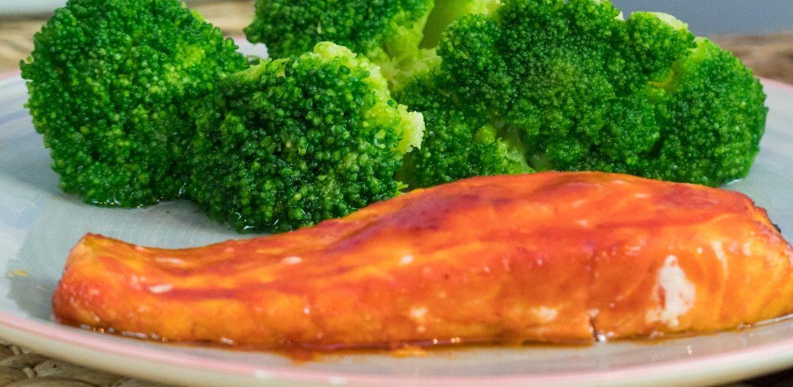 Salmão ao pimentão: um prato com um sabor marcante!