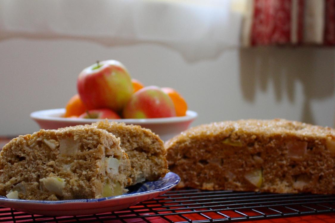Bolo de maçã sem farinha e sem açúcar