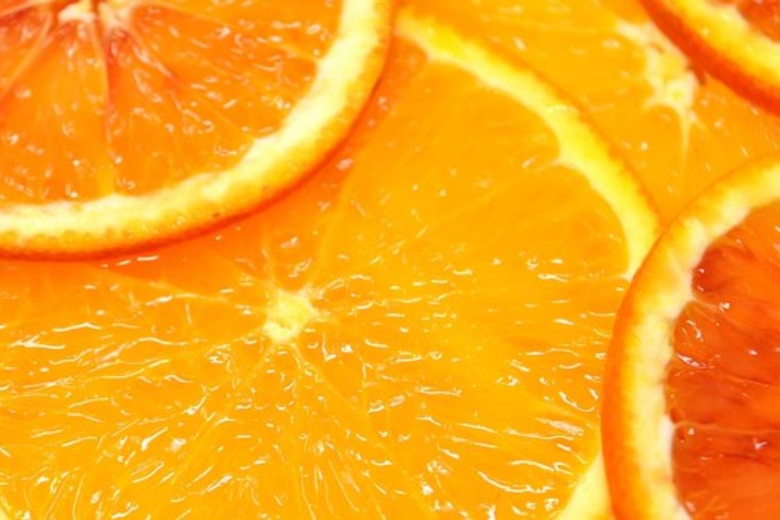 Será que comer laranjas à noite faz mal? Eu explico tudo!