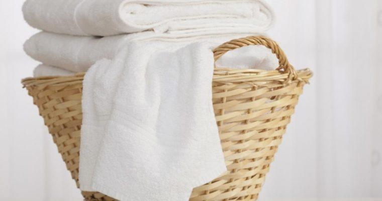 As lavandarias usam estes truques para as roupas brancas ficarem novas!